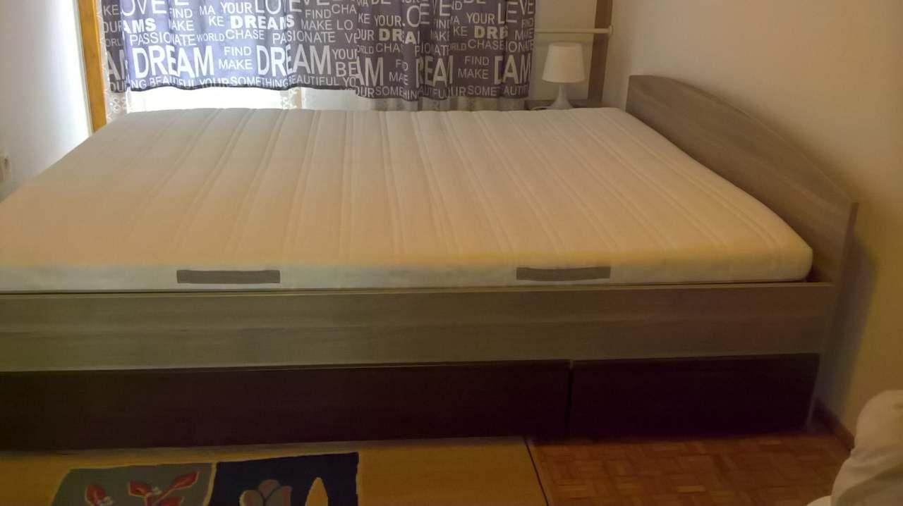 Sprzedam łóżko Wraz Z Materacem Plus 2 Szafki Nocne Cieszyn