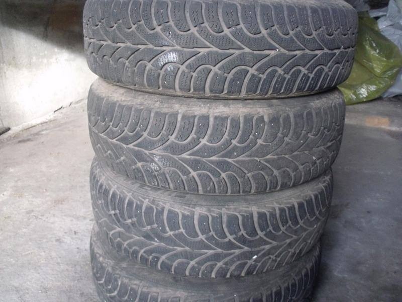 Sprzedam Opony Zimowe Na Felgach Fiat Punto 2 16570 R 14